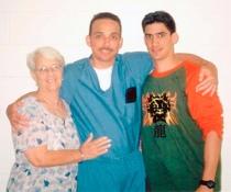 Antonio Guerrero y su mamá.
