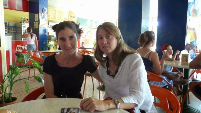 Micaela Hierro con Yoani Sánchez e