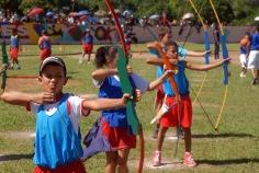 Representación del deporte tiro con arco en la gala aritísca-deportiva efectuada por el aniversario 54 de la cultura física y el deporte, en el municipio Buey Arriba, provincia de Granma, Cuba, el 21 de noviembre de 2015. ACN FOTO/Armando Ernesto CONTRERAS TAMAYO/sdl
