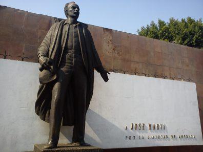 monumento-en-centro-historico-en-mex