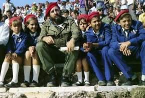 fidel-castro-pioneros-cubanos-f-archivo